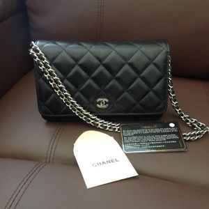 RARE Authentic CHANEL Caviar Wallet on Chain